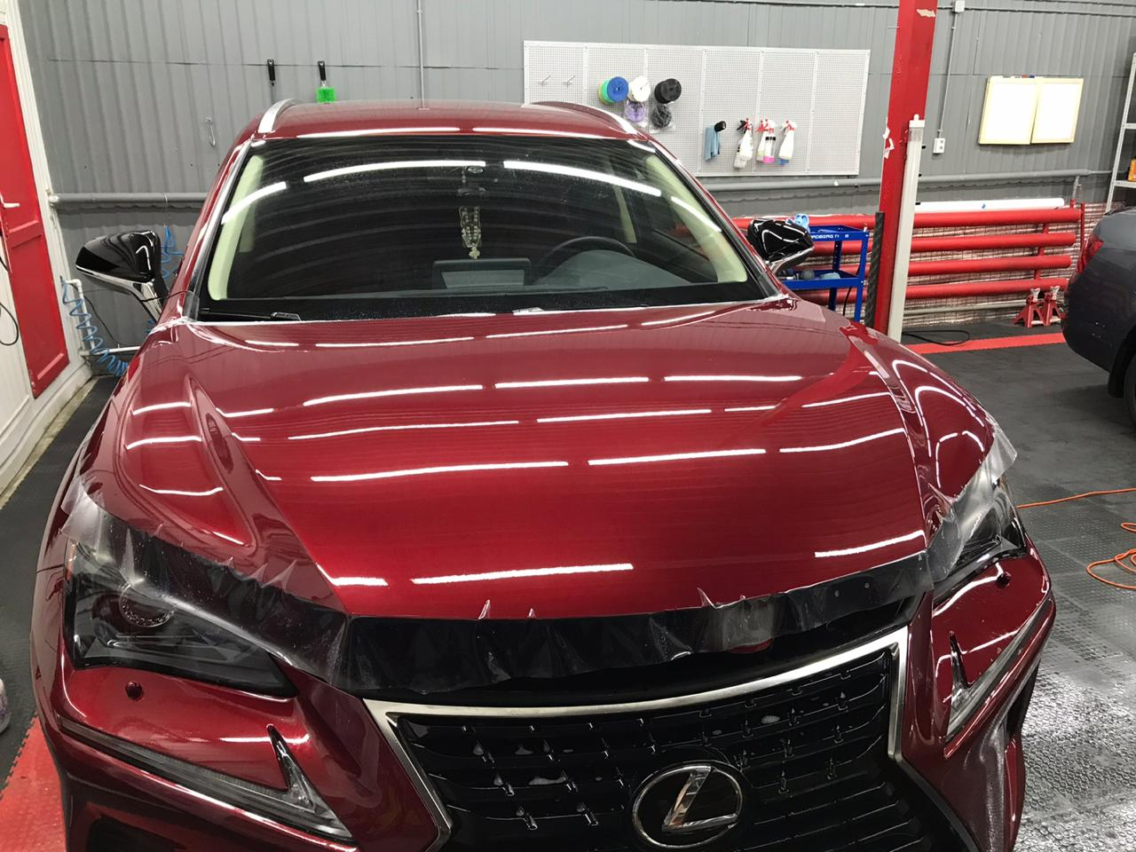 Lexus: Установка антигравийной пленки The Ultimate PPF с эффектом самовосстановления царапин и затертостей от тепла