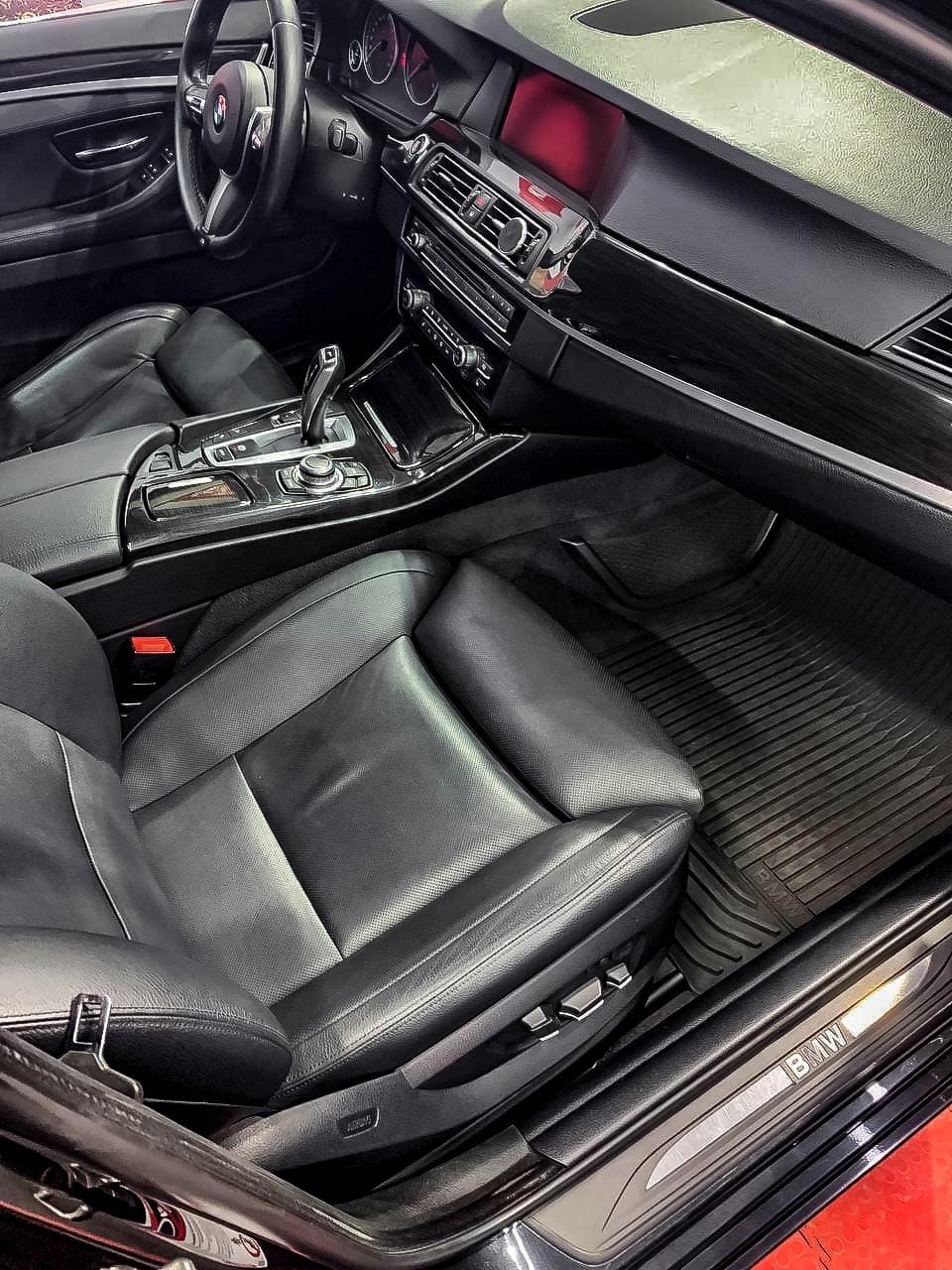 BMW 5 Детейлинг в Тюмени: полировка, керамика, химчистка салона.
